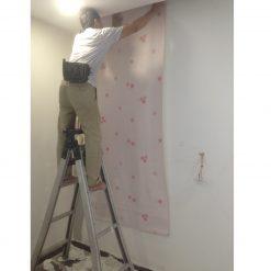 Thi công giấy dán tường Hàn Quốc nhà anh Long chung cư Five Star