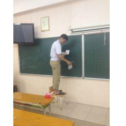 Thi công giấy dán tường tại lớp học trường tiểu học Tây Sơn