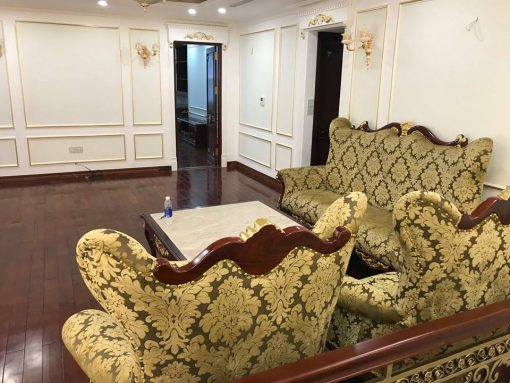Thi công giấy dán tường Hàn Quốc chung cư cao cấp nhà anh Nam theo phong cách Tân cổ điển