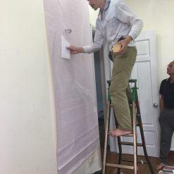 Thi công giấy dán tường Hàn Quốc nhà chị Nhung Chung cư Hoàng Văn Thái